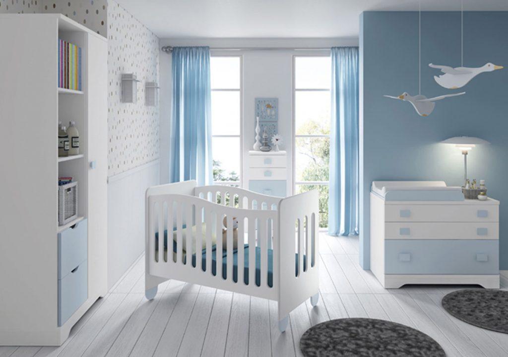 Dormitorio infantil con cuna y cambiador