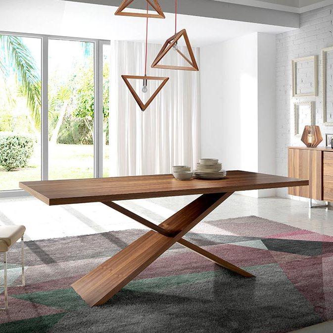 Mesa de comedor moderna de madera maciza de nogal