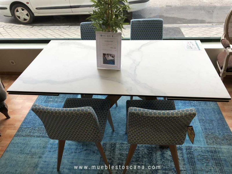 Mesa de comedor extensible con tapa porcelánico